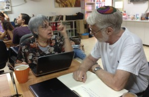 Rabbi Larry Halpern volunteers at Atid BaMidbar in Yerucham