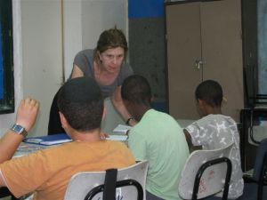 Volunteer Lisa Pengitore teaches English in a Jerusalem school